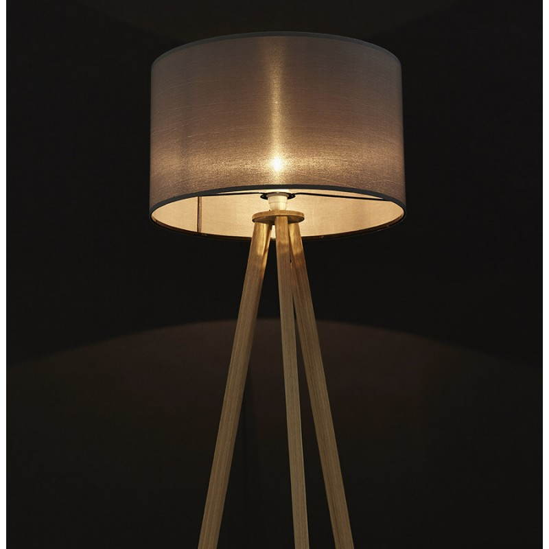 lampe sur pied de style scandinave trani en tissu gris naturel. Black Bedroom Furniture Sets. Home Design Ideas