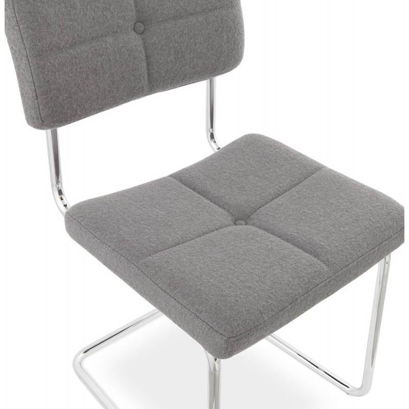 chaise design capitonn e bonou en tissu gris clair. Black Bedroom Furniture Sets. Home Design Ideas