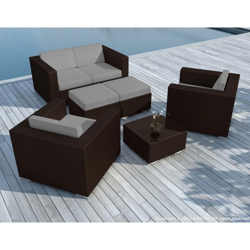Salon de jardin 6 places KUMBA en résine tressée (marron, coussins gris)