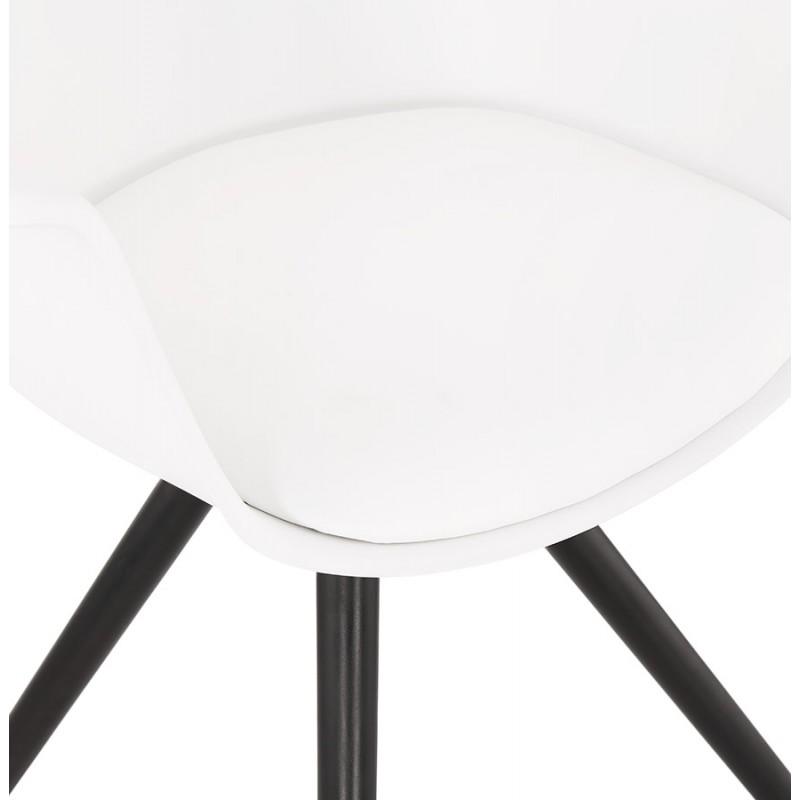 Chaise design scandinave avec accoudoirs ARUM pieds bois couleur noire (blanc) - image 43520