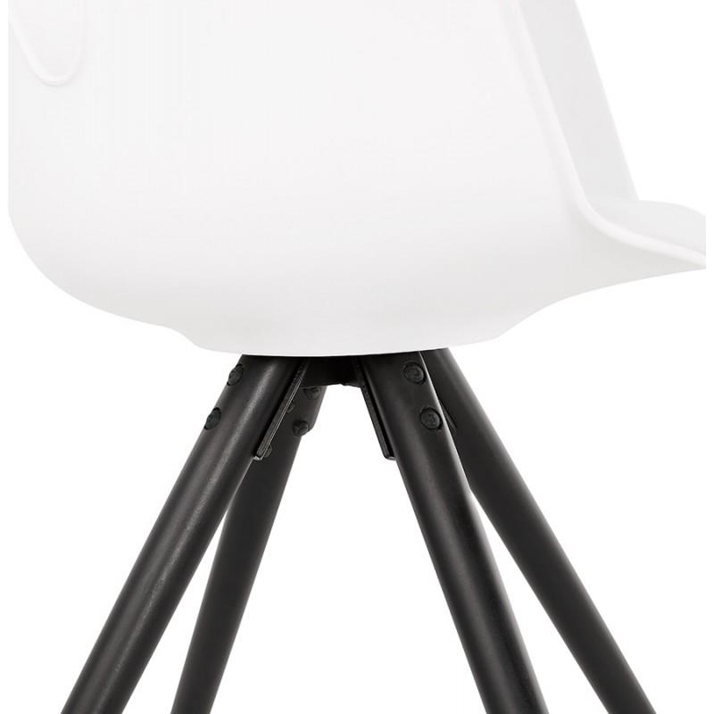 Chaise design scandinave avec accoudoirs ARUM pieds bois couleur noire (blanc) - image 43521