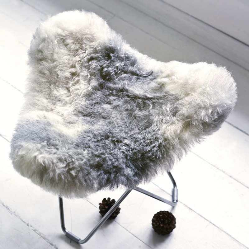 Repose pied en peau de mouton, poils courts FLYING GOOSE ICELAND pied chromé (blanc, gris) - image 54283